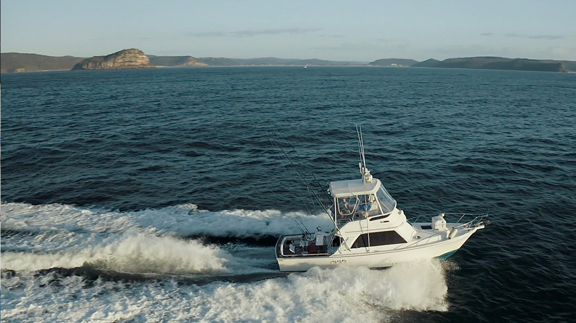 34' Blackwatch Flybridge | Marine Electronics by Raymarine